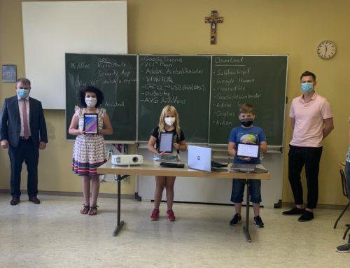 Beamer, Laptops und Tablets für das neue Schuljahr
